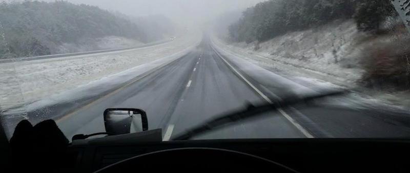 SnowyRoad_Howtruckersleeps