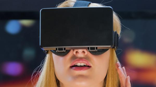 Med thumb virtualreality dreaming