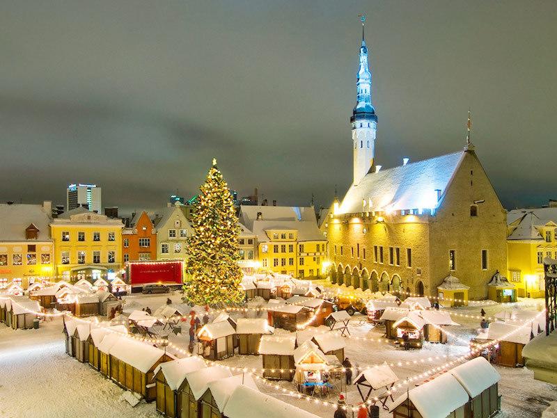How the World Sleeps Around Christmas | Van Winkle's