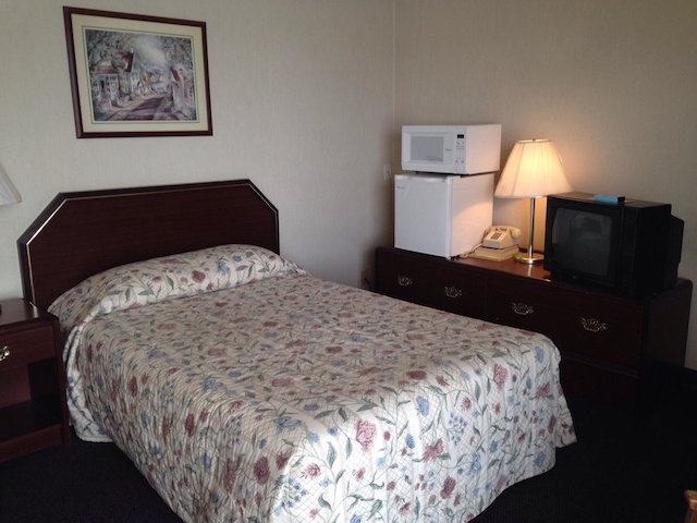 tripadvisor Missouri Valley iowa motel room