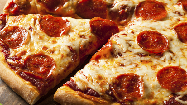 Med thumb pizza cropped