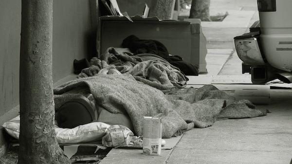 Med thumb homeless blanket  sidewalk