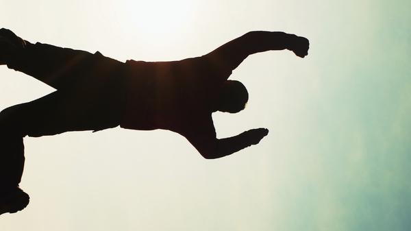 Med thumb floating man