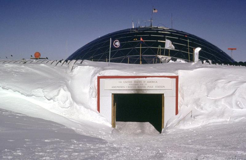 Amundsen_Scott_ExtremeBeds