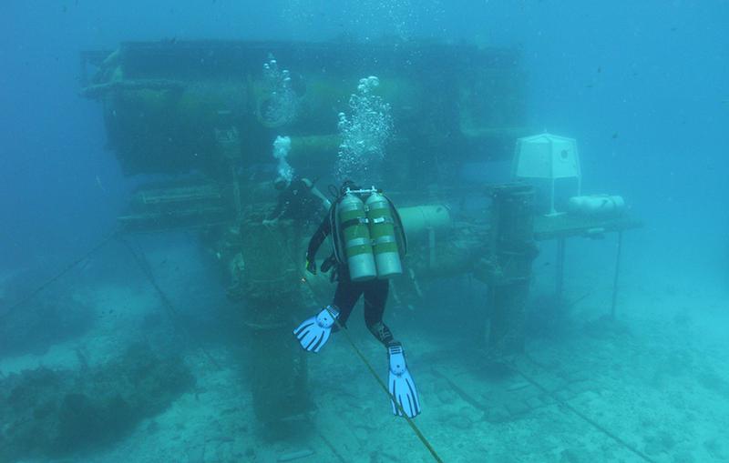 Acquarius Undersea Laboratory_ExtremeBedrooms