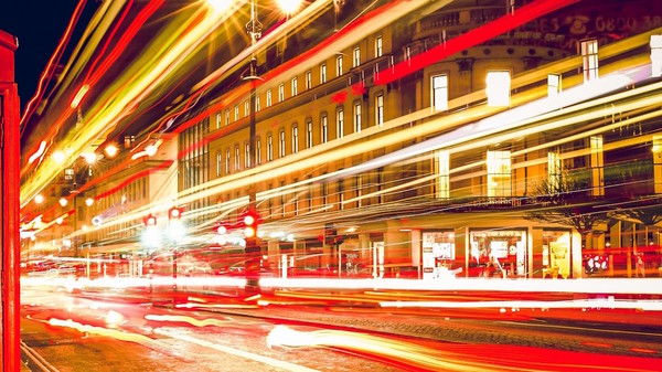 Med thumb london telephone booth long exposure lights